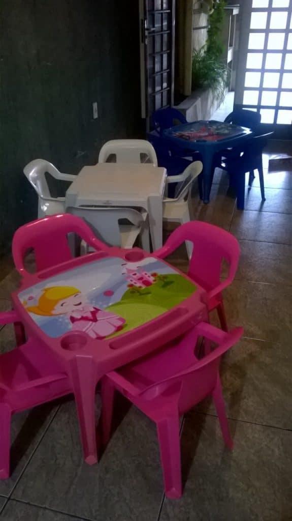 Conjunto Infantil de mesas e cadeiras